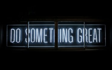 Do something great sign neon - Xploredubai
